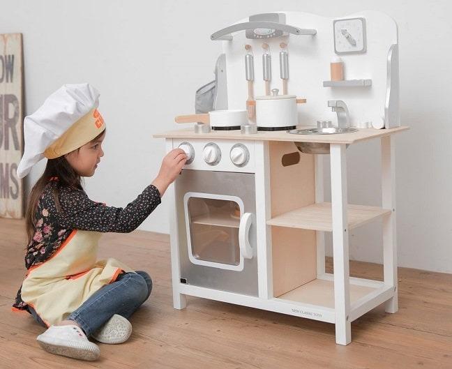 Cocina de juguete blanca